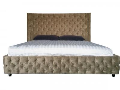 Кровать большая двуспальная бежевая