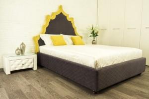 Кровать «Касабланка» с гладким фигурным изголовьем